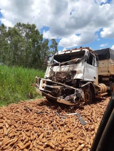 Grave acidente interdita MS-376 entre Deodápolis e Ivinhema