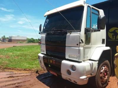 Polícia desconfia da cor de caminhão com placas de Deodápolis e encontra sinais de adulteração