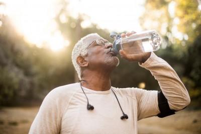 Confira a importância de cuidar da hidratação nos dias mais quentes