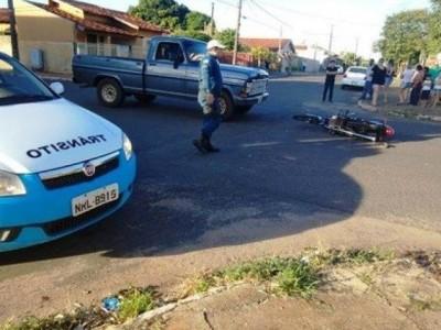 Em Nova Andradina, motociclista avança a preferencial e é atingido por tenente da PM