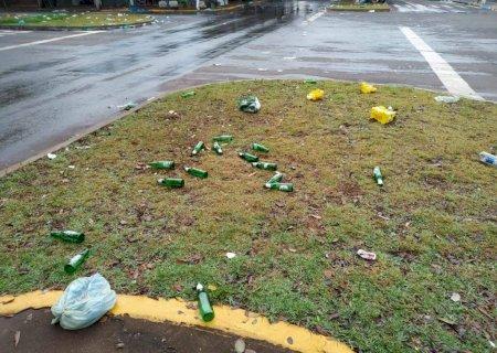 3a5fd14c2 Avenida de Dourados amanhece suja após comemorações de títulos