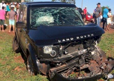 AGORA: PM e Bombeiros atendem acidente com morte em Vicentina