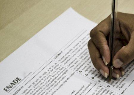 Acadêmica de MS consegue na Justiça certificado de conclusão de curso sem Enade