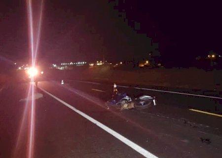 Ponta Porã: Motociclista morre e mulher fica ferida em acidente entre moto e carro