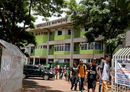 Escolas estaduais têm aulas suspensas por 15 dias, a partir de 23 de março