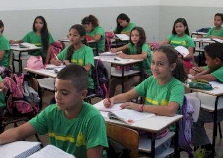Resolução estabelece tarefa de casa no lugar de aulas suspensas