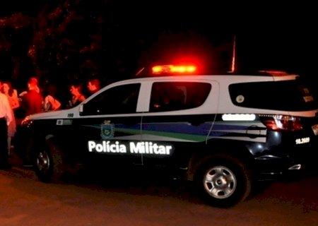 Homem é ferido a tiros na fronteira e polícia procura por atiradores