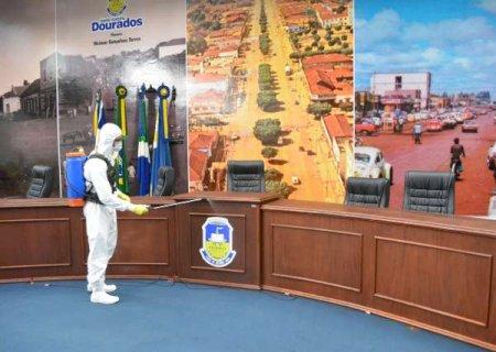 Exército faz descontaminação em sede da Câmara, fechada por coronavírus