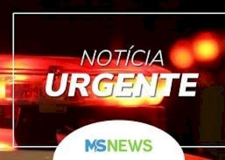 AGORA: Motociclista morre após bater na traseira de caminhão estacionado em Dourados