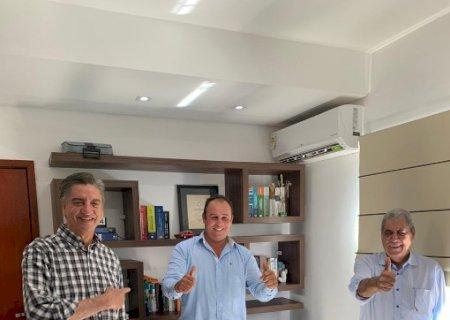 André Puccinelli faz aliança de PDT e MDB à Prefeitura de Vicentina