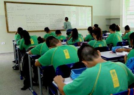 Empreendedorismo e Libras são inclusos em currículo das escolas estaduais