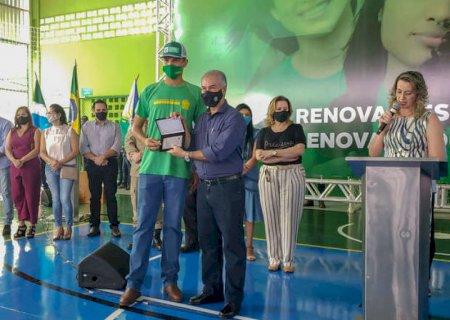 Governador entrega escola com elevador panorâmico e energia solar em Maracaju