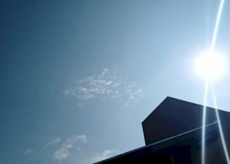 Domingo começa com sol e previsão de chuva para o decorrer do dia