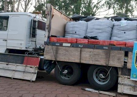Carreta com mais de 4 toneladas de maconha é apreendida em trevo de Dourados