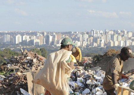 FGV diz que 15 milhões saíram da linha da pobreza com ajuda do auxílio
