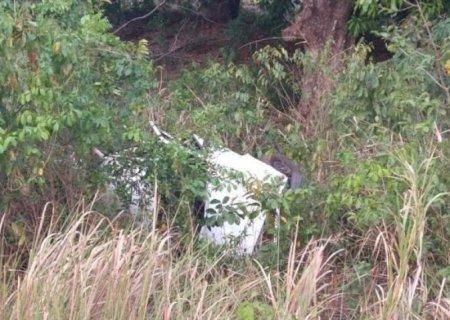 Mulher morre em capotamento de carro na MS-040
