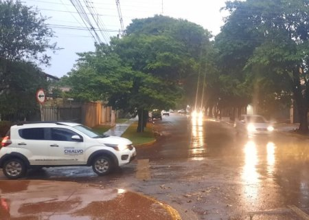 Chuva desta tarde já é maior do que registro acumulado em todo o mês