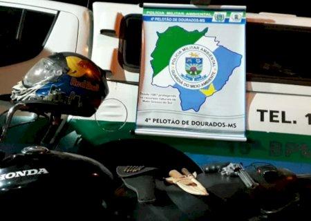 Em Jateí, PMA prende infrator que seguia para caçada de javali com revólver e munições ilegais