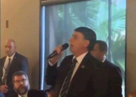 Bolsonaro sobre leite condensado: ''É pra enfiar no r*** de vocês da imprensa'