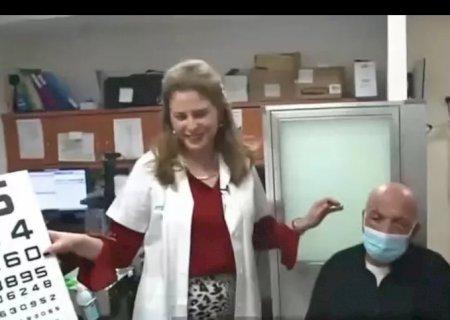 Idoso cego retoma visão após receber o primeiro transplante de córnea artificial