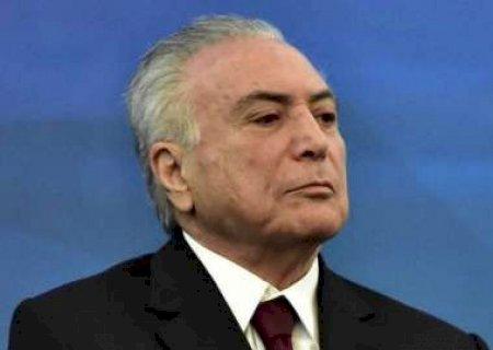 Em entrevista, Temer garante que Dilma é honesta e diz que ela caiu por pressão popular