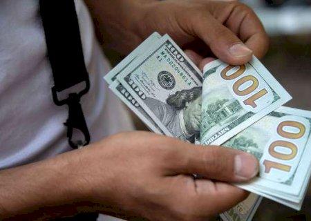 Dólar aproxima-se de R$ 5,40 e fecha no maior valor desde novembro