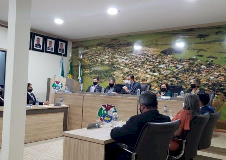 Na Câmara, Eraldo cita união para vencer desafios e trabalho para garantir resultados para Jateí