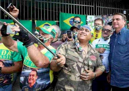 Bolsonaro diz que governador que 'fechar seu Estado' bancará auxílio emergencial