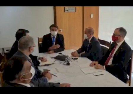 Bolsonaro e Putin conversam por telefone sobre vacina Sputnik V