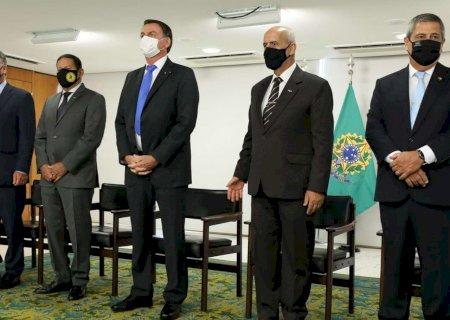 Jair Bolsonaro dá posse a seis ministros