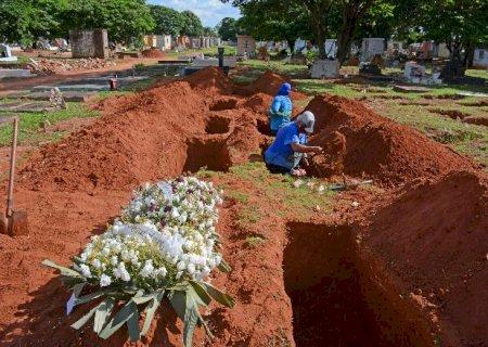 Mês de abril começa com mais óbitos que nascimentos em Campo Grande