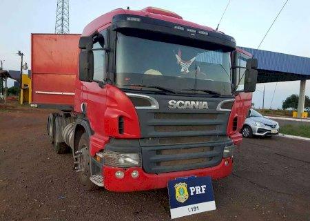 Carreta roubada em Santa Catarina é apreendida a caminho do Paraguai