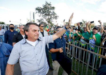 Sem voto impresso, Lula ganha eleição em 2022 \'pela fraude\', diz Bolsonaro