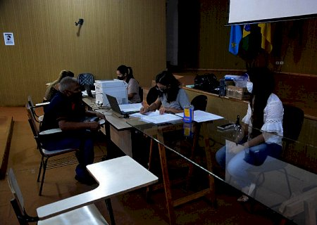 Moradores do Izidro Pedroso recebem regularização de imóveis