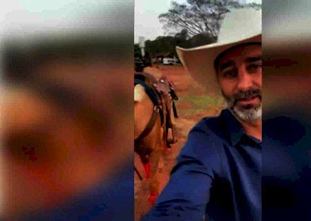 Prefeito \'mais louco do Brasil\' anuncia festas com shows de Fernando e Sorocaba para comemorar vacinação em Ivinhema