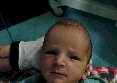 Com apenas sete dias de vida, bebê precisa de sangue, mas estoques estão vazios em todo estado