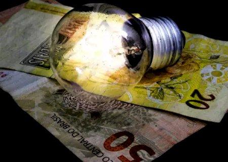 Conta de energia deve subir 6,78% no país, alerta Governo
