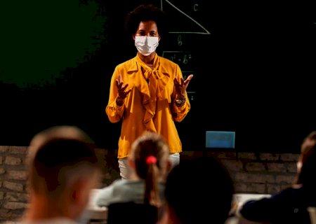 Estudo aponta que professores possuem a profissão que a população mais confia